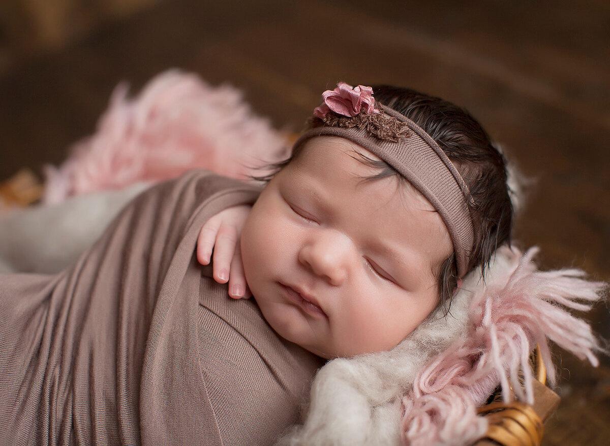 Cleveland Best Newborn Photography
